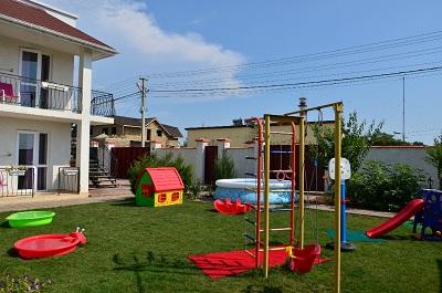 Детская площадка гостевого дома Анастасия