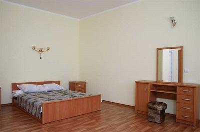 В номере отеля Валентина