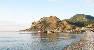 отели Коктебеля с бассейном у моря
