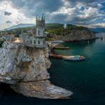 Замок Ласточкино гнездо — визитка полуострова Крым