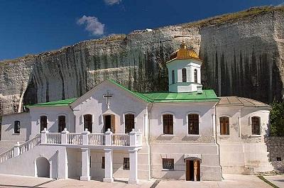 Фото фасада в монастыре