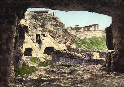 Чуфут-Кале в Крыму - старые фото