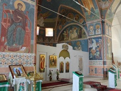 Храм Архангела Михаила в Алупке - фото внутри