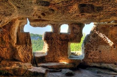 пещерный город Чуфут-Кале фото 2