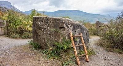 Камень Варлей на Демерджи