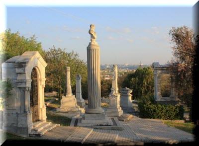 Свято-Никольский храм в Севастополе братское кладбище