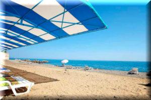 отели алушты с собственным пляжем и бассейном