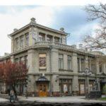 Театр Горького — место скопления любителей драмы в Симферополе