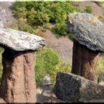 Каменные грибы — неземное украшение долины Сотеры близ Алушты