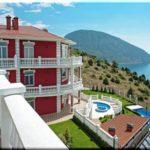 ТОП-5 отелей и гостевых домов с бассейном в Гурзуфе