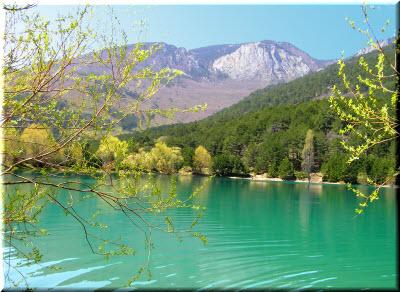 бирюзовое озеро партенит