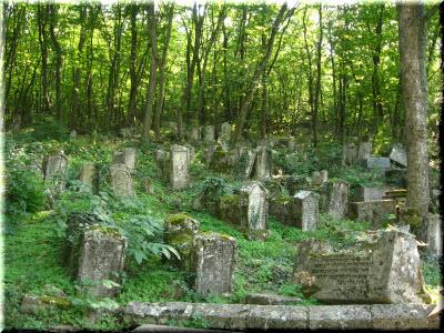 караимское кладбище в чуфут кале