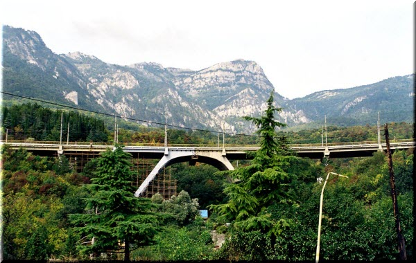 гурзуф мост над авундой