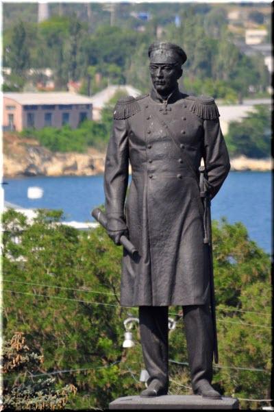 памятник нахимову фото