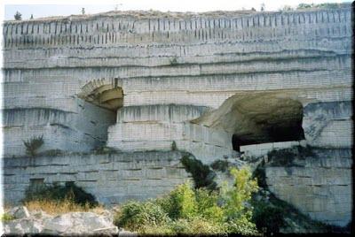 Инкерманские каменоломни на фото