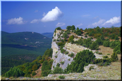 горы крыма в августе