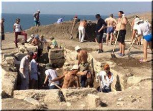 археологи в Крыму