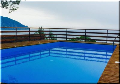 бассейн в гостинице Прилив