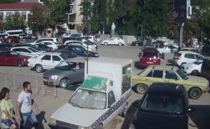 фото с веб-камеры на площади 1 Мая в Балаклаве