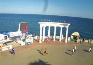 фото с веб-камеры у Ротонды в Алуште