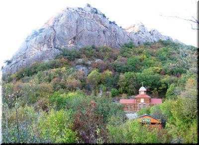 фото Кизилташского монастыря