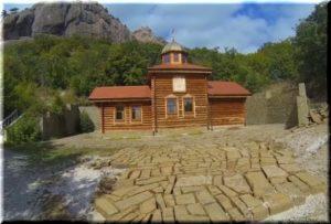 Кизилташский монастырь в Крыму