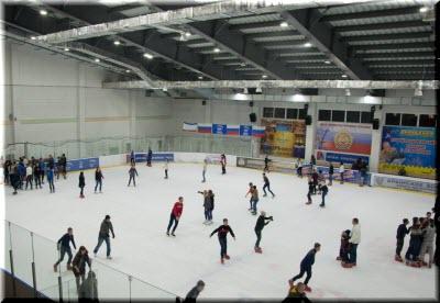 на катке Консоль-Спорт