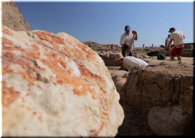 археологи в районе античной Акры