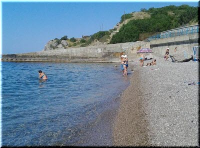 на пляже Понизовки