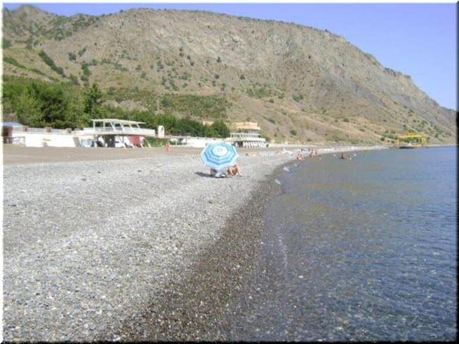 пляж Солнечный камень в Морском