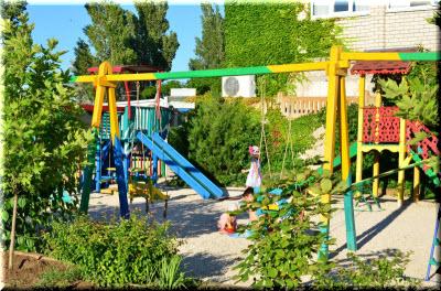 фото детской площадки отеля