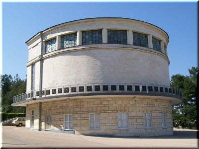 здание с Диорамой
