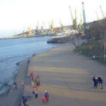 Море и набережная Десантников в г. Феодосия онлайн