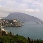 Обзорная онлайн камера Гурзуфа: гора Аю-Даг и Гурзуфская бухта