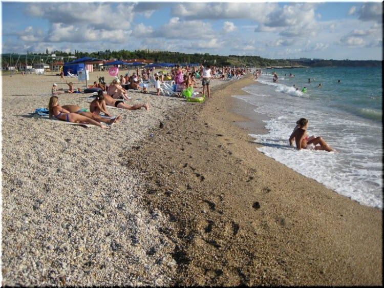 Центральный пляж Любимовки