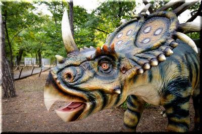 фото динозавров в парке