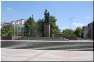 Памятник Ленину в Симферополе