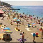 Приморский пляж — самый ухоженный во всей Ялте