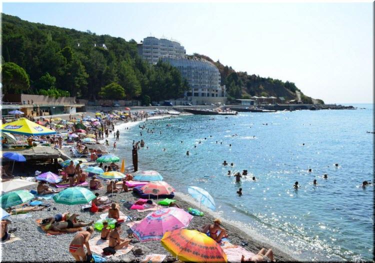пляж в Кастрополе