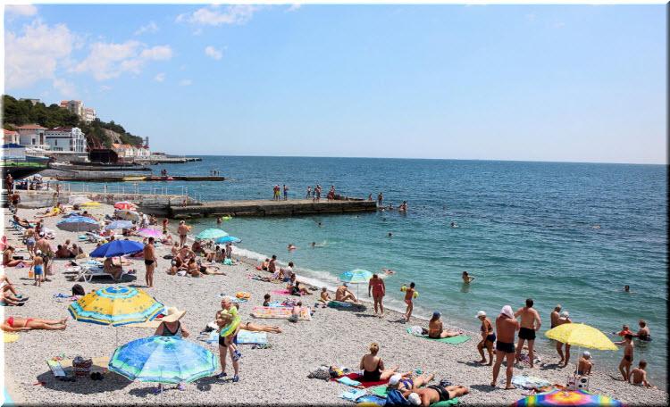 Поселковый пляж Гаспры