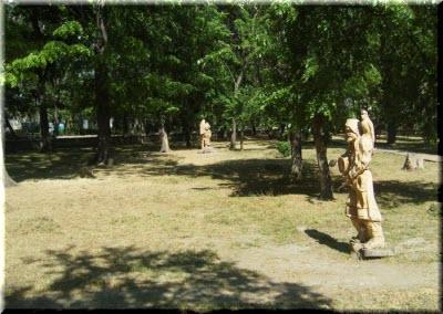 скульптуры в Матросском парке