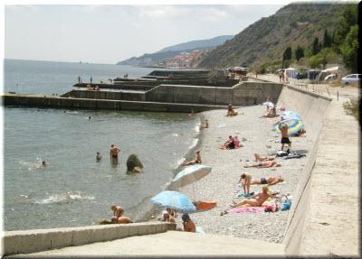 пляж в поселке Лазурное
