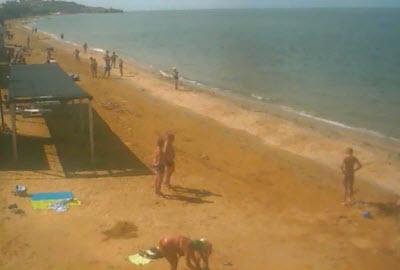 фото с камеры на городском пляже Щелкино