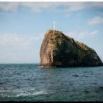 Скала Святого Явления с крестом на мысе Фиолент