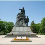 Памятник Корнилову — один из важнейших в Севастополе