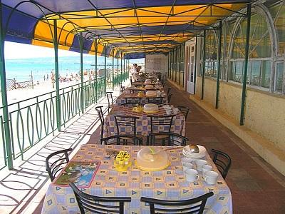 Питание в отеле Золотой пляж