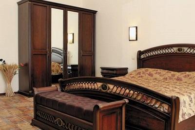 В номере отеля Гавань