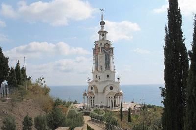 Храм Святого Николая Мирликийского в Малореченском