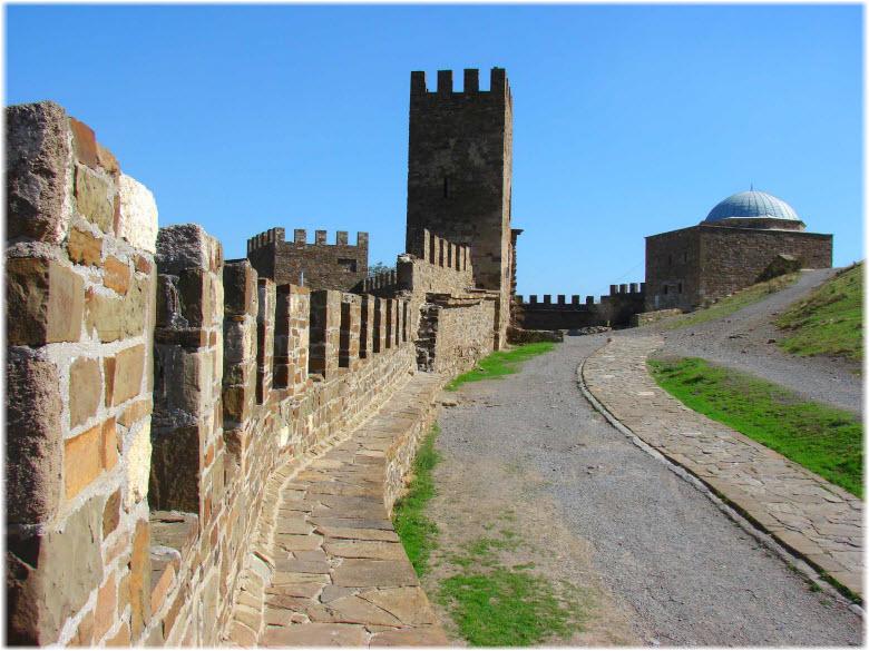 фото Генуэзской крепости