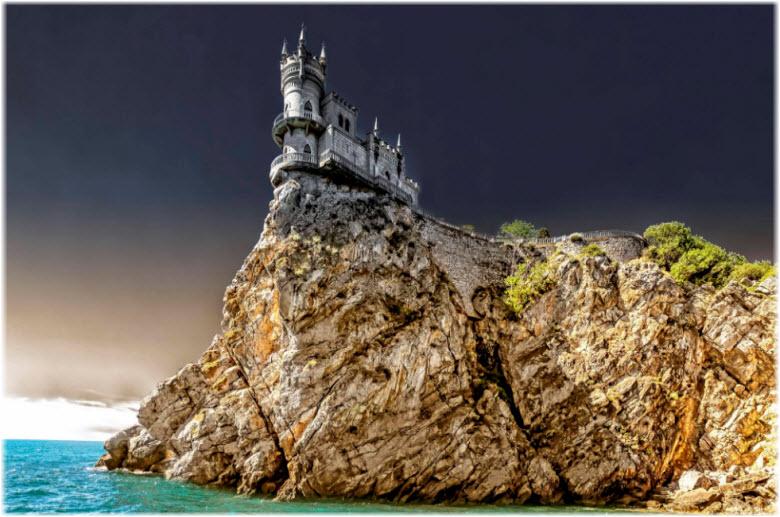 фото замка на Аврориной скале